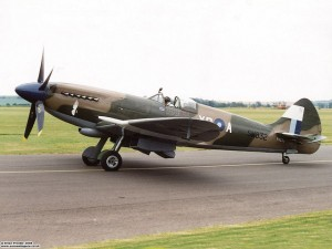 Spitfire Mk XIV PS890 at Duxford (Photo Brian Proctor (CC BY-NC-SA 2.0)).