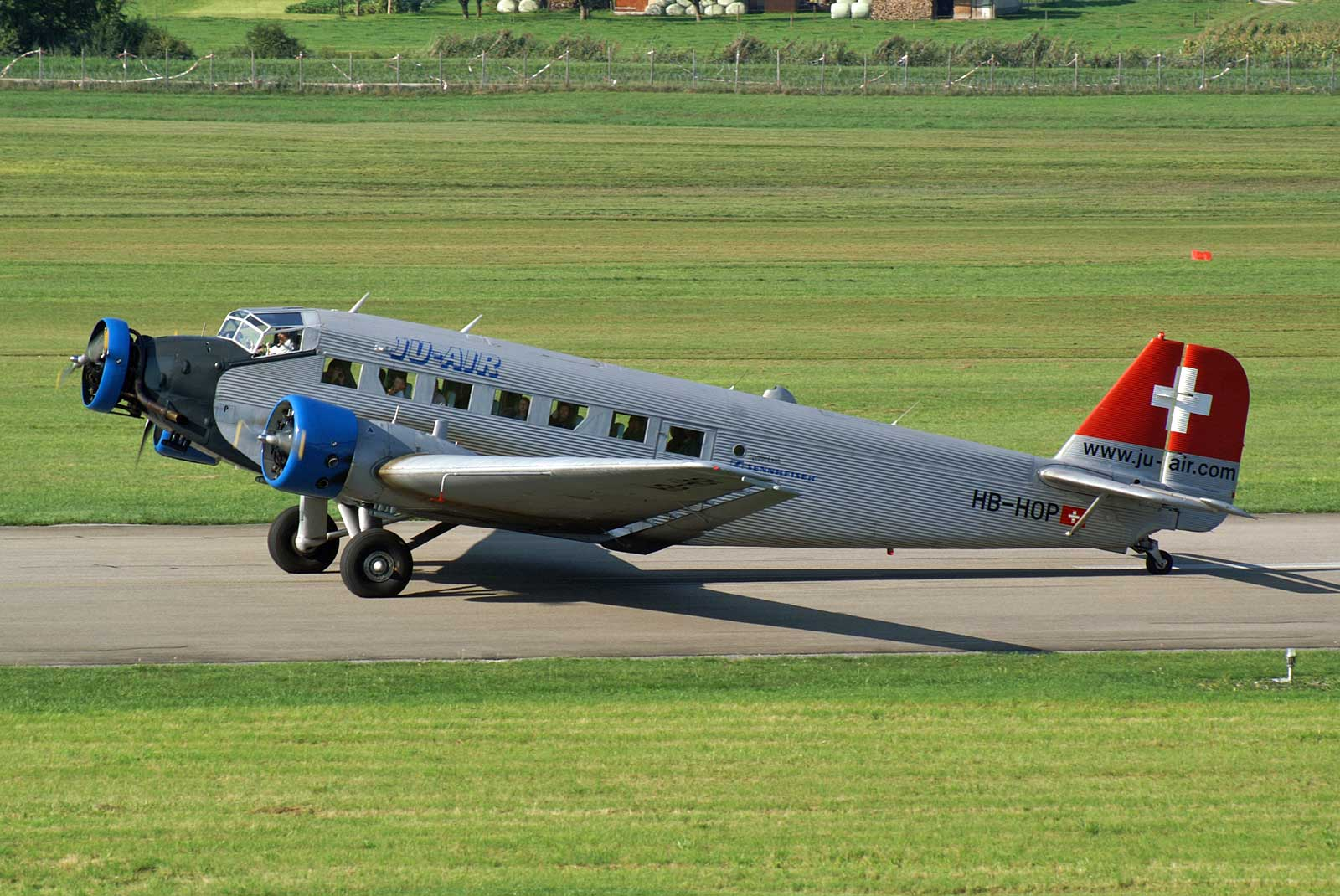 JU-AIR's Junkers Ju 52 HB-HOP in 2005. (Photo Kambu -(CC BY-2.0))-